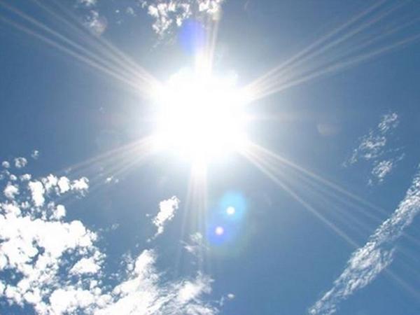 日焼け止め 夏の日差し