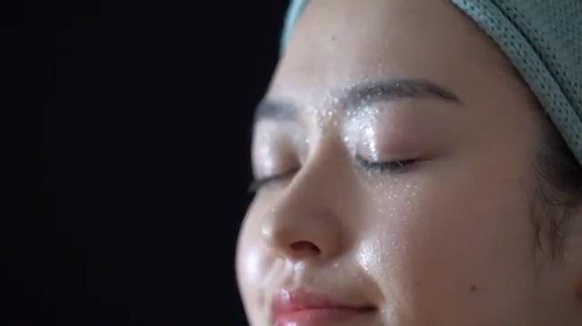 ととのうみすと 口コミ ファンファレ 毛穴 化粧水スプレー トトノウミスト 効果 通販 最安値 ブログ アットコスメ 動画2